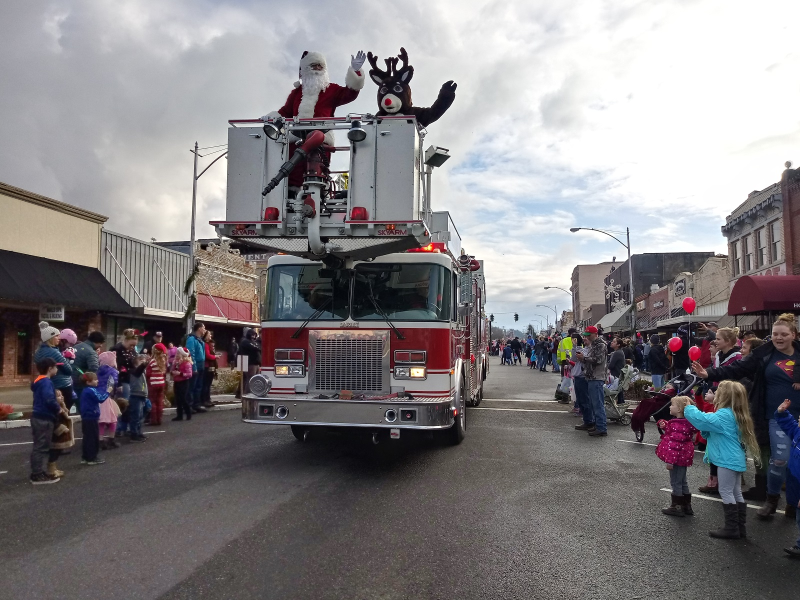 Your Guide to Holiday Events in Centralia and Throughout Lewis